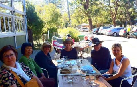 Pearl Beach General Store cafe, late lunch and chat