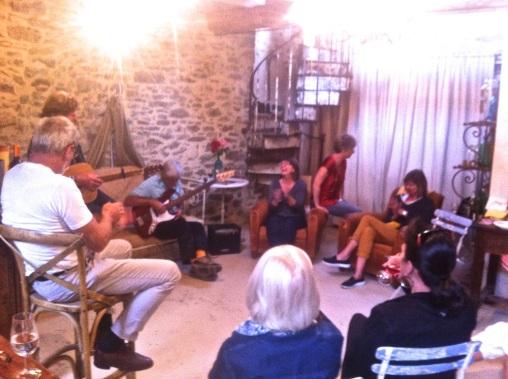 Mike & Roddy perform inSalon Granache