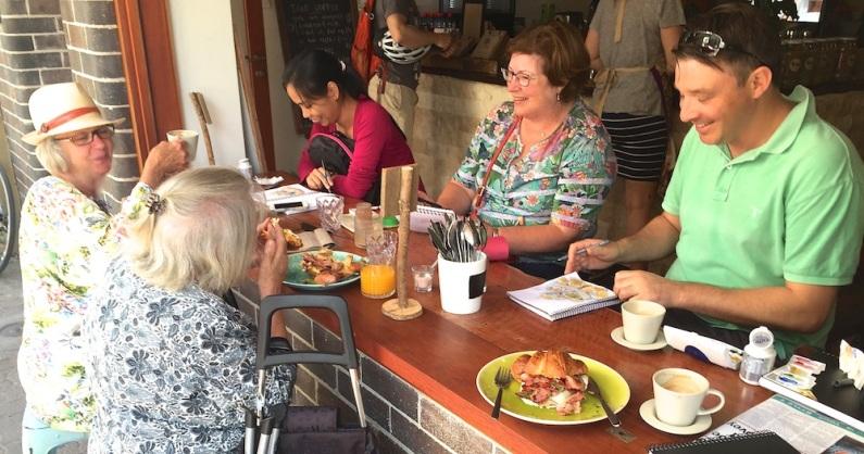 Sat Gen. Ora Cafe lunch & sketch