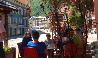 Cafe in Moutiers