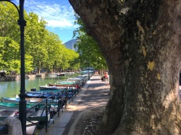 Canal to the lake. Annecy